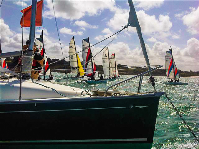 Balade et stage sportif de catamaran