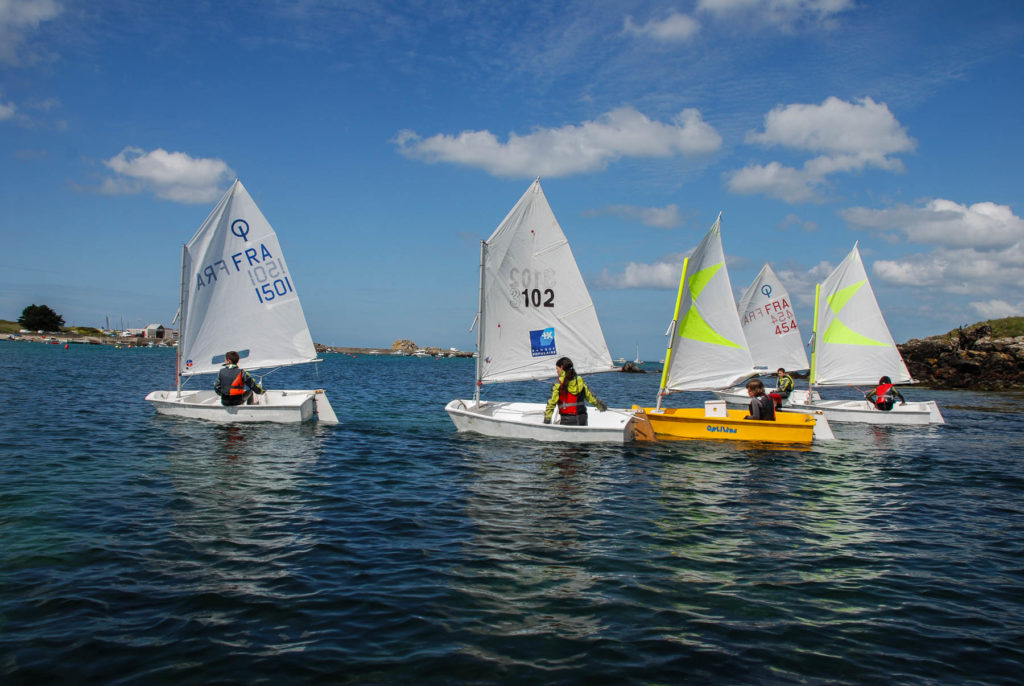 8 à 12 ans stages de voile initiation à perfectionnement